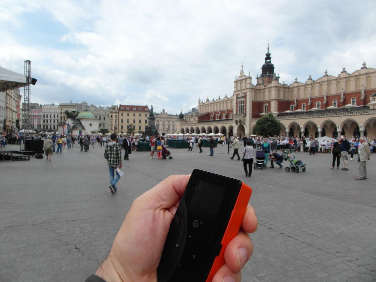Travel Essentials for the frequent world traveler : Skyroam Global Hotspot in Krakow Poland