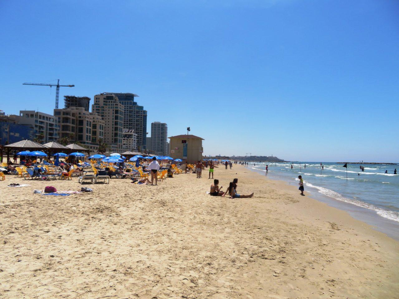 Vacationing in Israel ... The Tel Aviv Beach