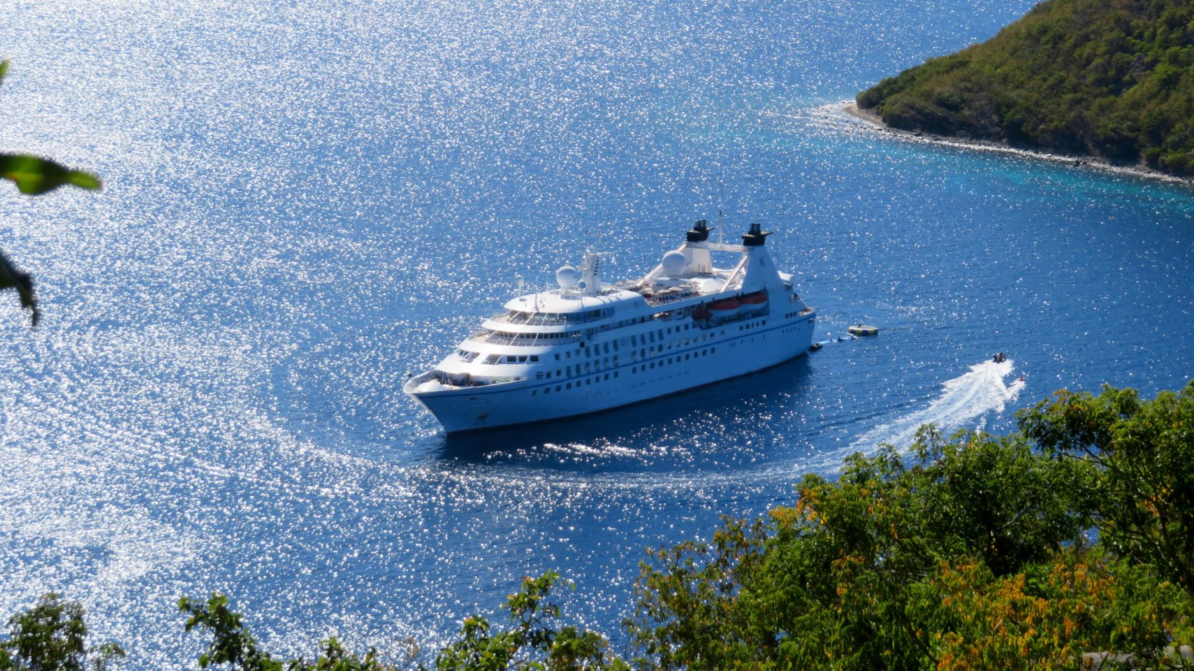 Windstar Cruises Star Legend in Baie des Saintes, Guadeloupe