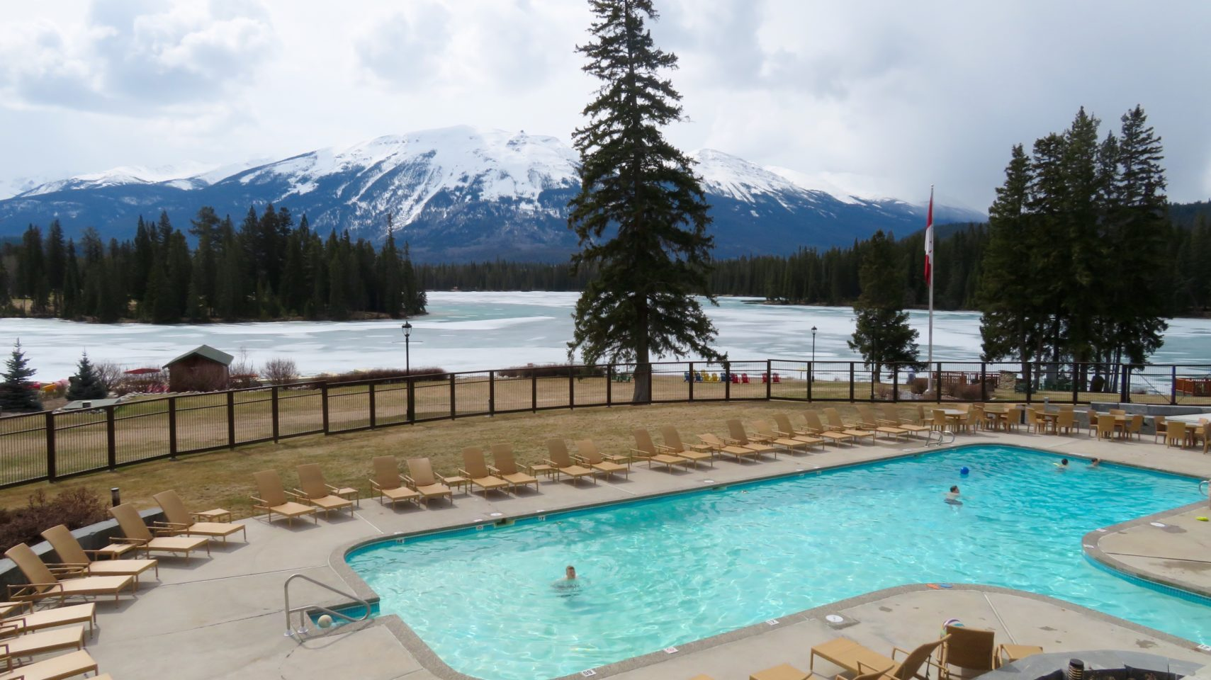 The Fairmont Jasper Park Lodge in Jasper, Alberta ! Rocky Mountaineer ~ The Trip of a Lifetime ...