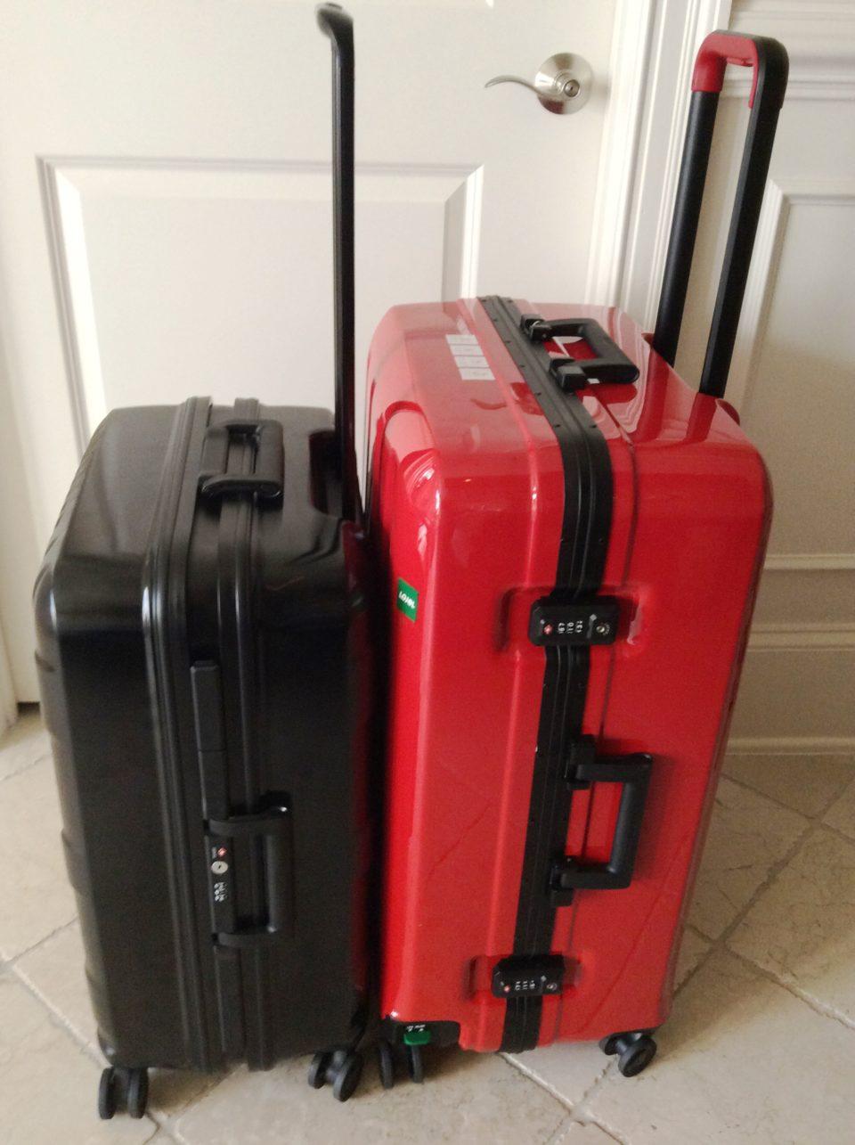 Lojel Luggage ~ The red Novigo and the black Kozmos suitcases