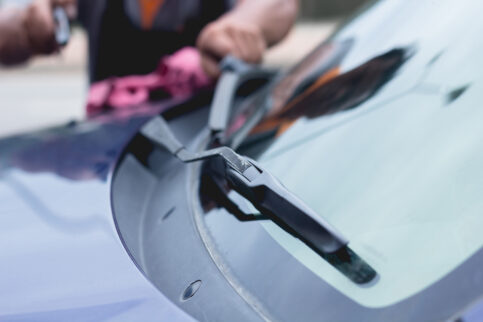 Maintaining & Replacing Windshield Wipers