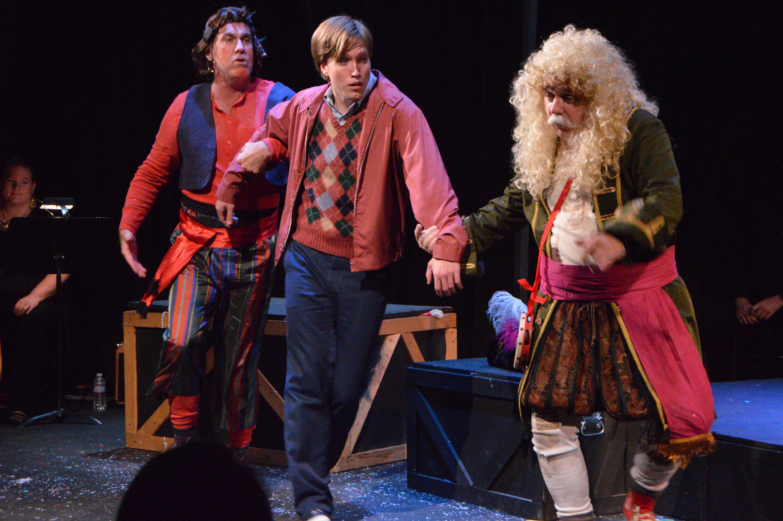 DSC_2323_Pirates show Matt the world