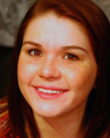 Rebecca Schroeder Headshot