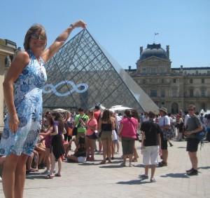 kate pyramid louvre
