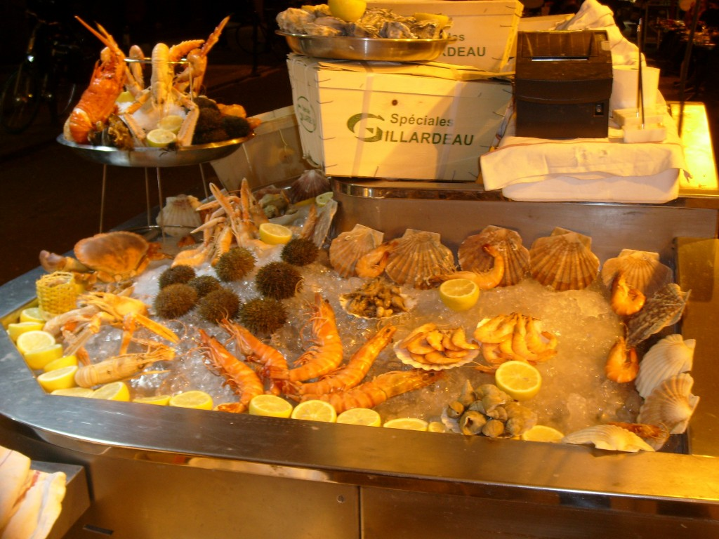 Know for its fresh seafood, Le Procope served Benjamin Franklin & famous Paris authors/actors and politicians throughout history