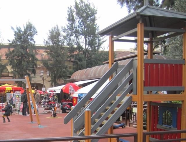 playground MC