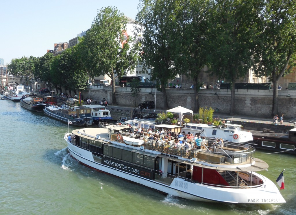 vedette Paris Seine