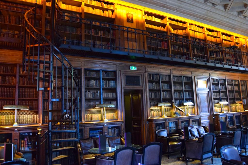Le Bar Saint James Paris