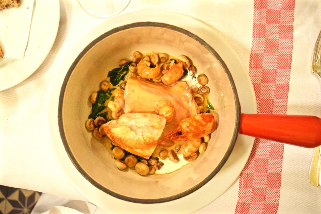 Chicken dish Aux Lyonnais