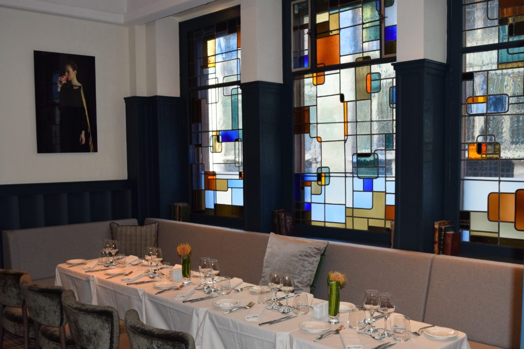 Edouard 7 dining room