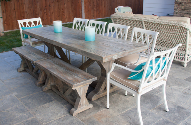 driftwood terstle table and benches at beach home
