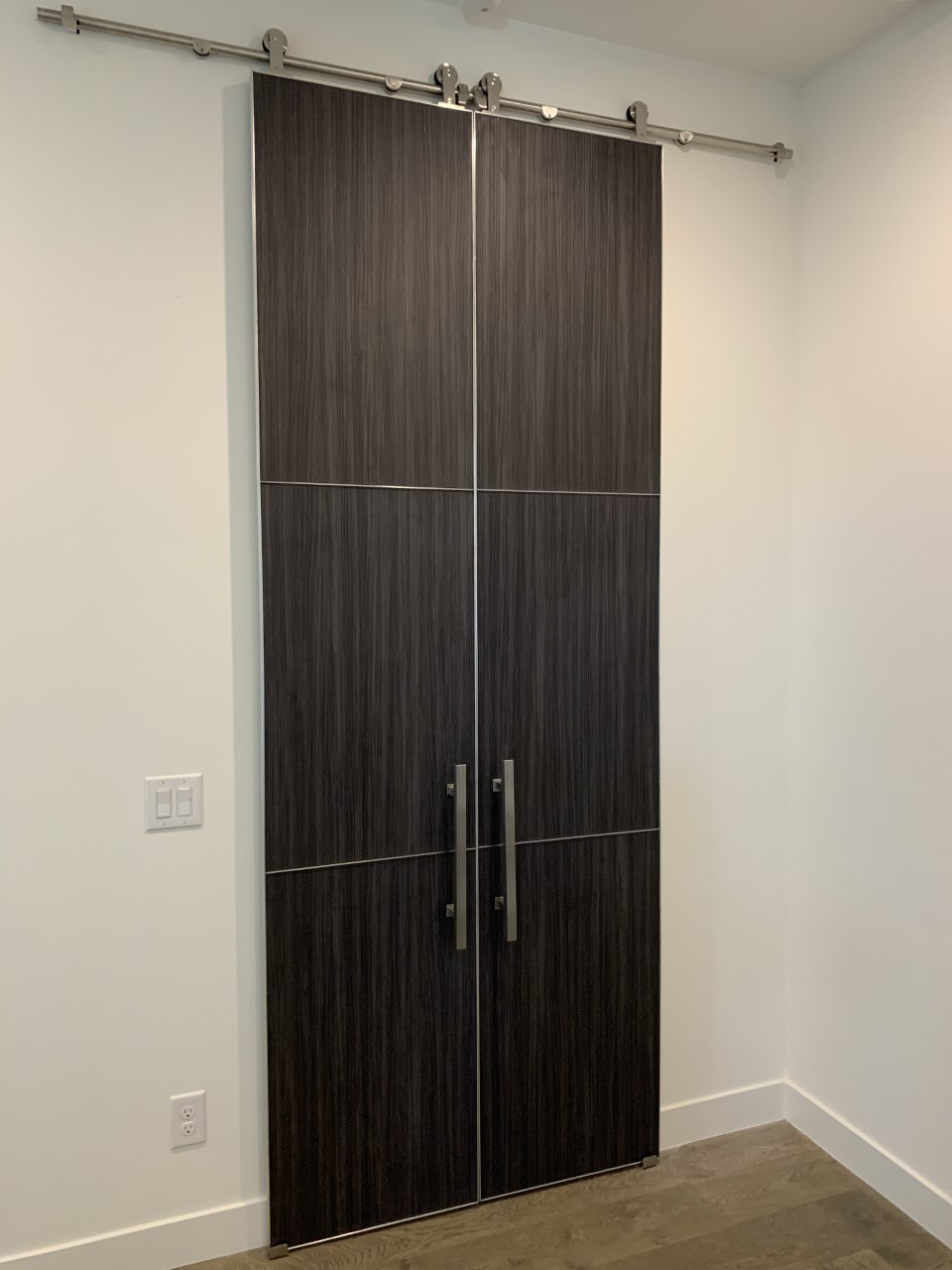 bella laminate double barn doors with stainless seams