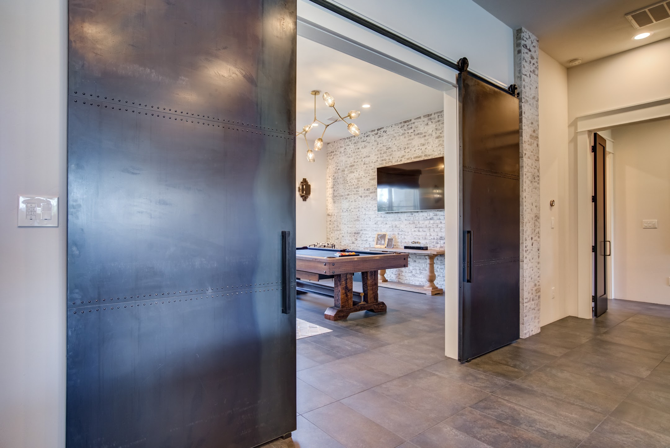 hot rolled steel double barn doors with rivets