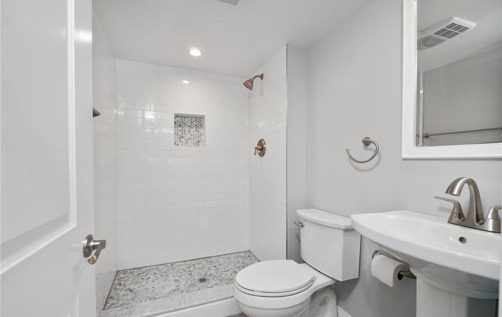 16 Bath Downstairs