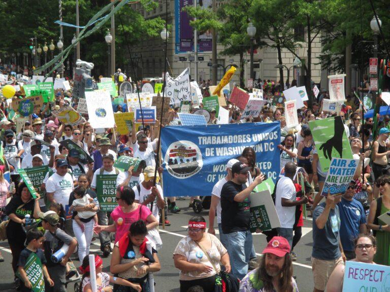 March with Trabajadores Unidos