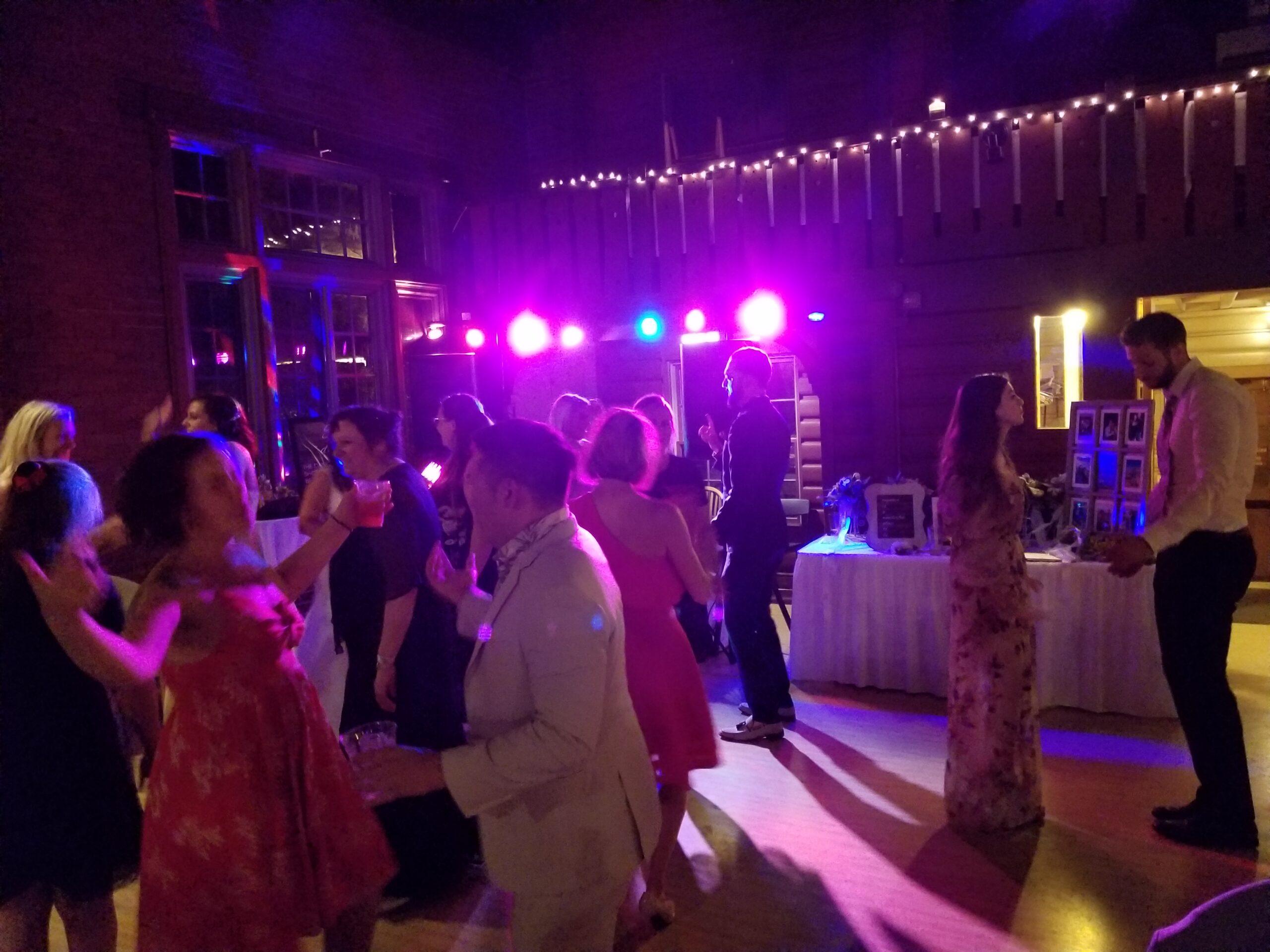 dj lighting at hubbard park lodge in milwaukee | MUP DJ services, an affordable wedding dj company