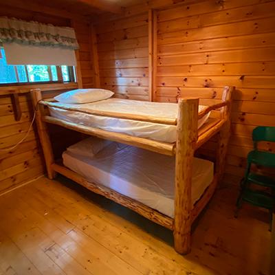 Cabin-2-Kids-Room