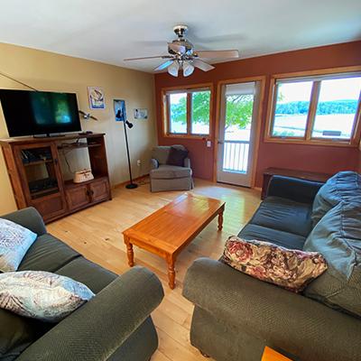 Locke-Harbor-Lodge-Family-Room