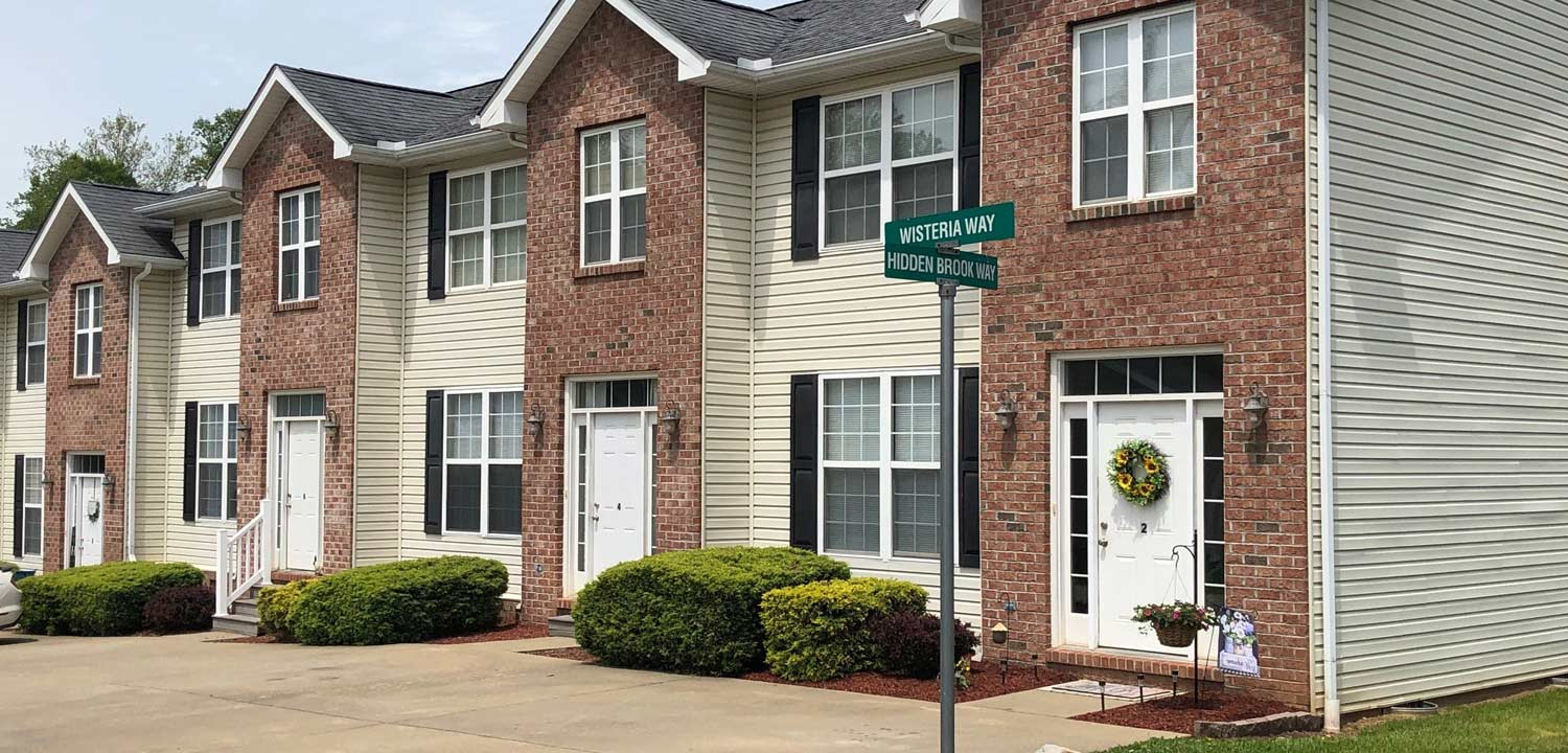 Hidden Brook Apartments and Townhomes