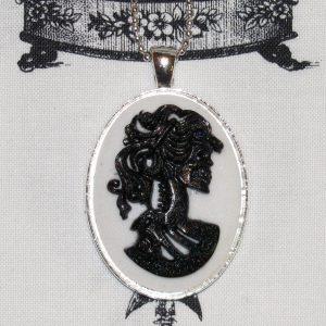 VICTORIAN LADY SKELETON CAMEO NECKLACE - BLACK/WHITE