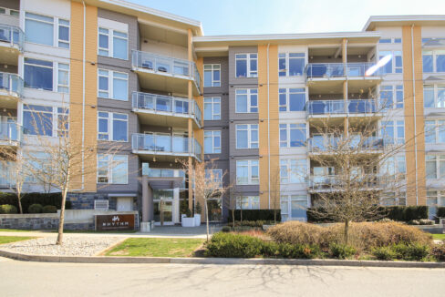 #402-3263 Pierview Cres