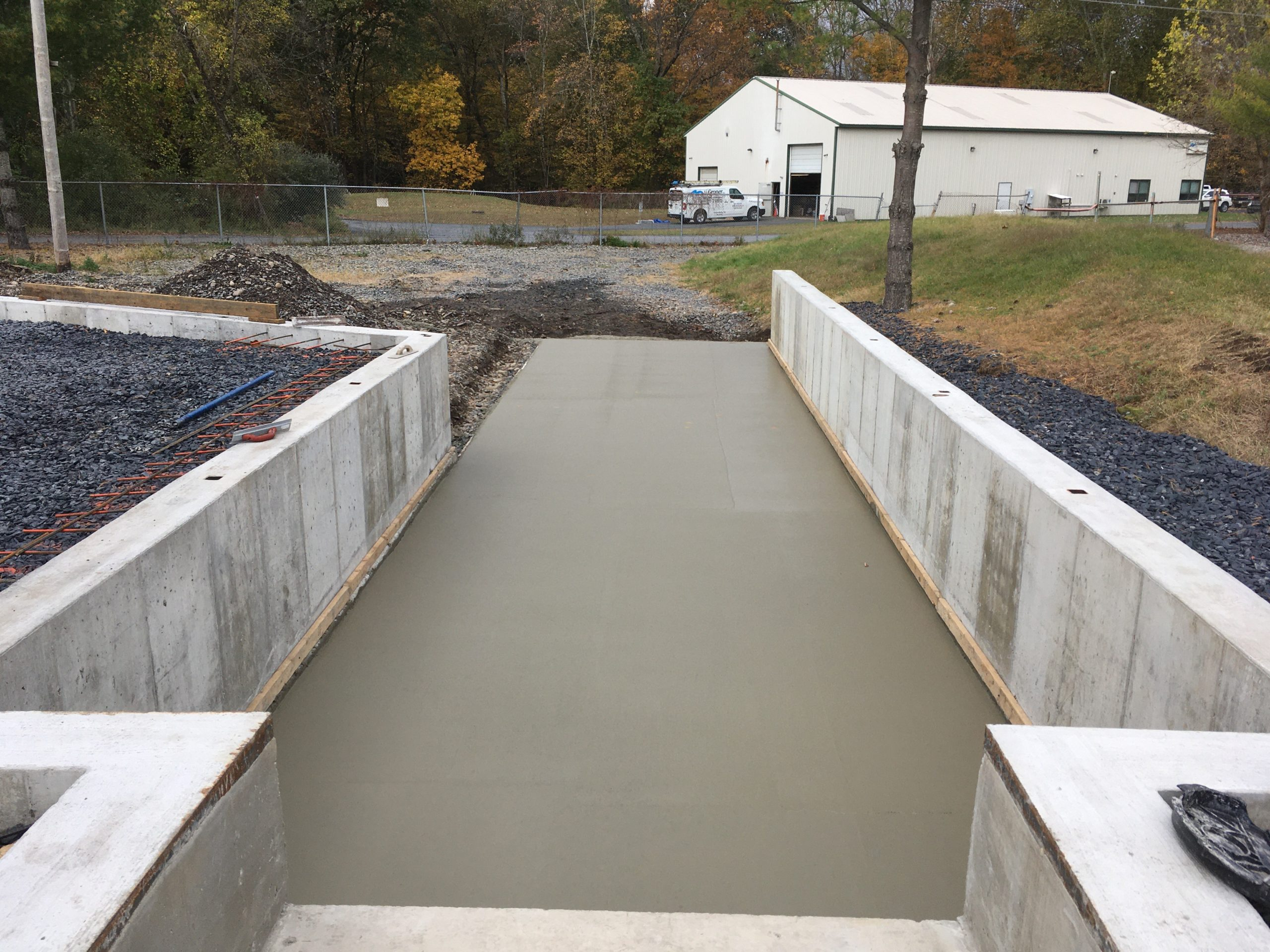 commercial-concrete-wall-loading dock