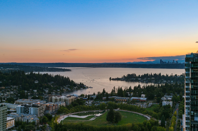 View from 41st floor Bellevue Towers Penthouse, photo credit: Jason Foss Properties