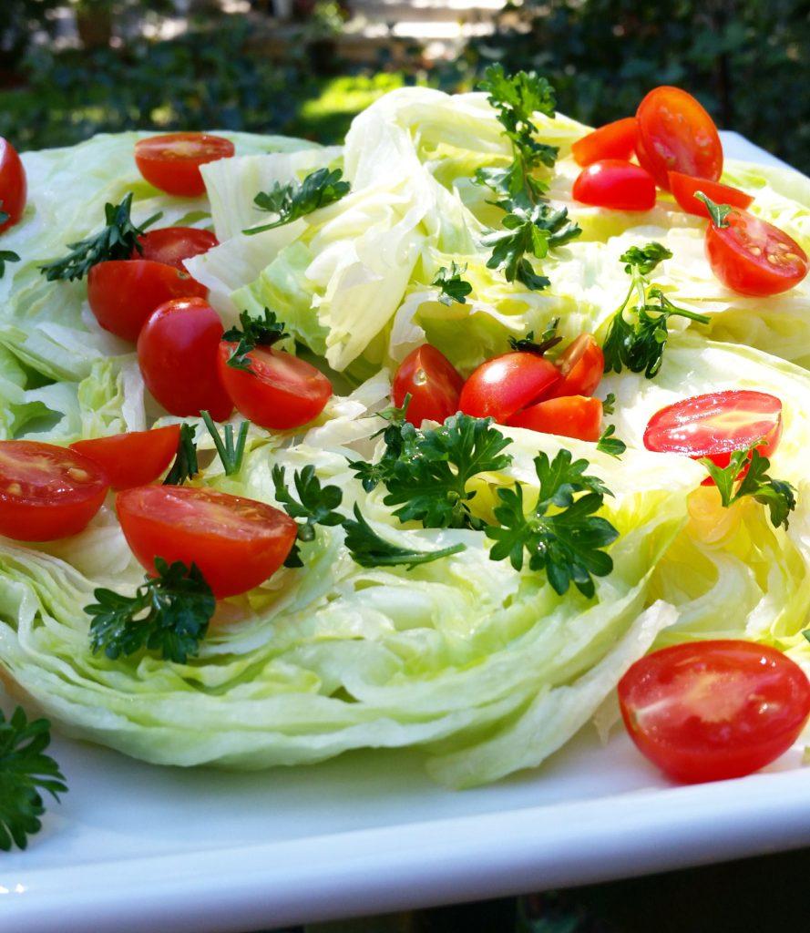 clovers-kale-vegan-wedge-salad-close-up