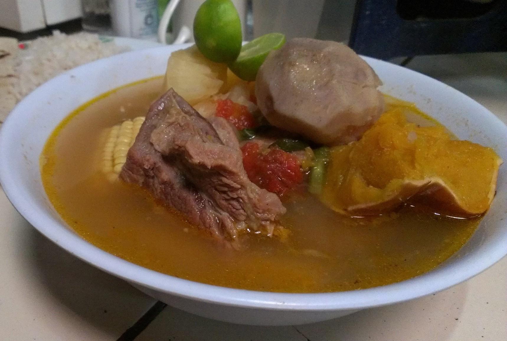 ¿Dónde tomar sopa de res los lunes en Nicaragua?