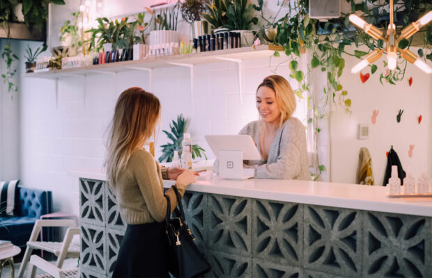 how you can use tech to empower your retail staff