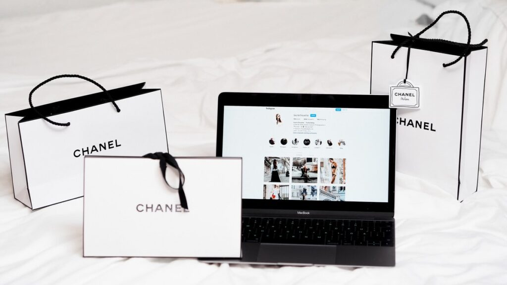 Chanel and laptop