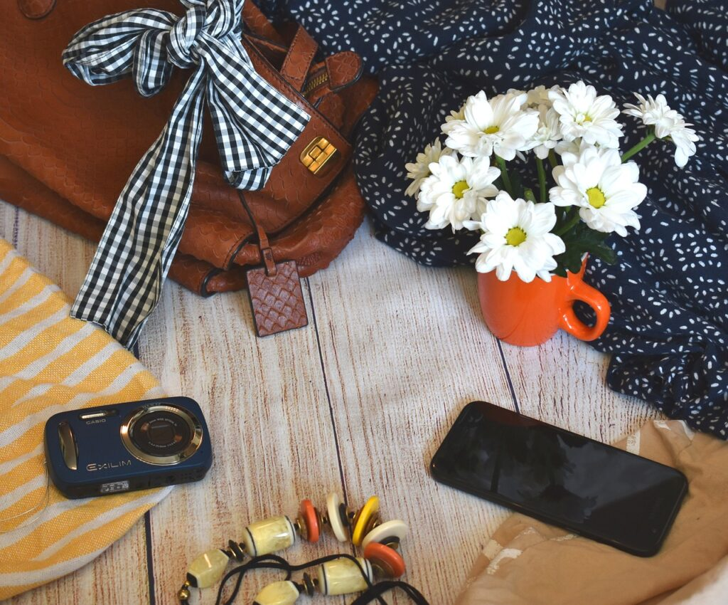 clothes, accessories, flowers