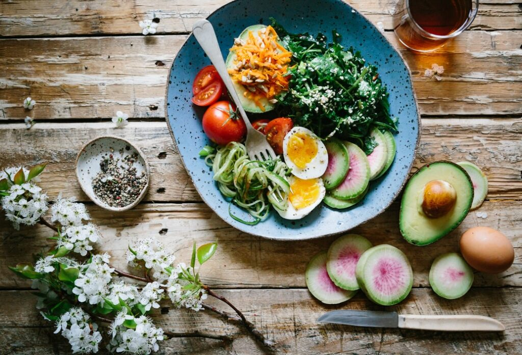 bowl of salad and avocado