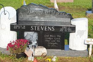 Stevens-Black-Tree-Stump-Bench