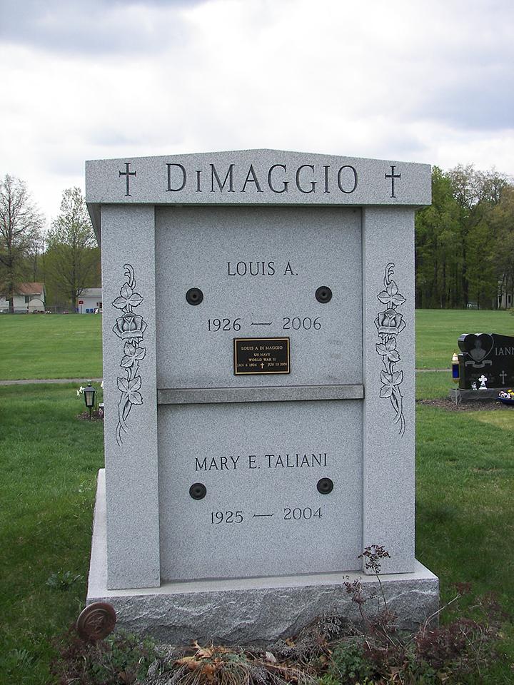 Dimaggio Gray Mausoleum.JPG