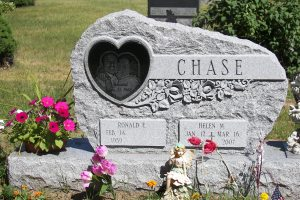 Chase Black Heart Special Shape Upright.JPG