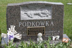 Podkowka-Brown-Sculpted-Angel-Piece-Upright