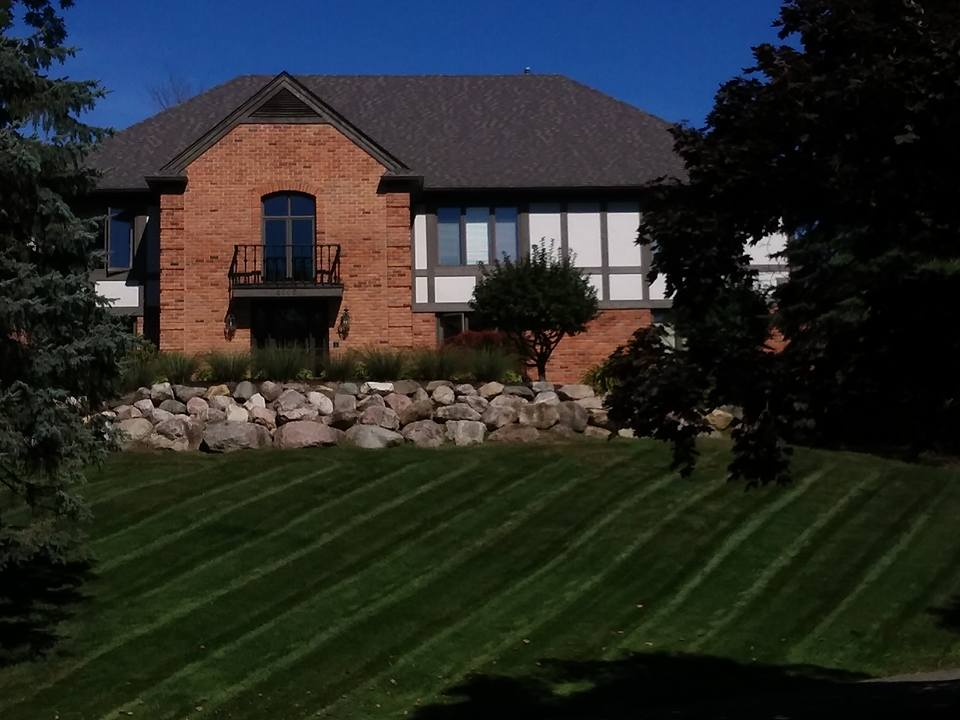 landscaping and lawn mowing services Bloomfield Hills, MI