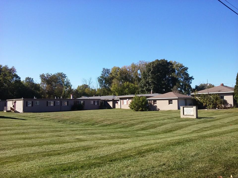 lawn mowing services near Bloomfield Hills, MI