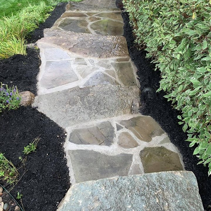 mulch installation service near Bloomfield Hills, MI