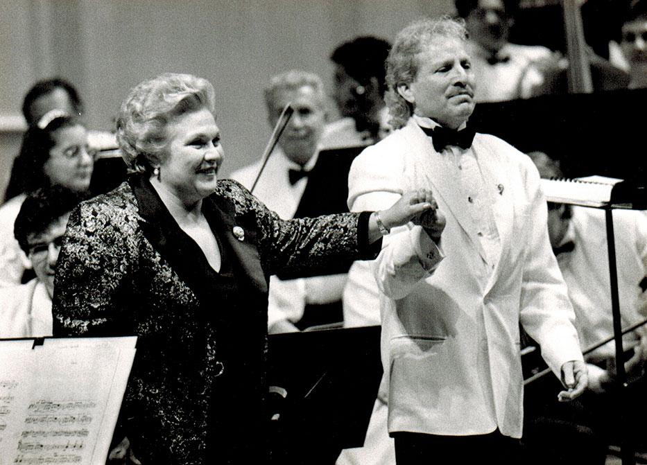 Marilyn Horne and Maestro Diemecke, National Symphony Orch. of México, Palacio de Bellas Artes Theatre, 1996