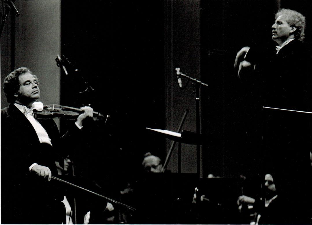 Itzhak Perlman and Maestro Diemecke, National Symphony Orch. of México, Palacio de Bellas Artes Theatre, 1998