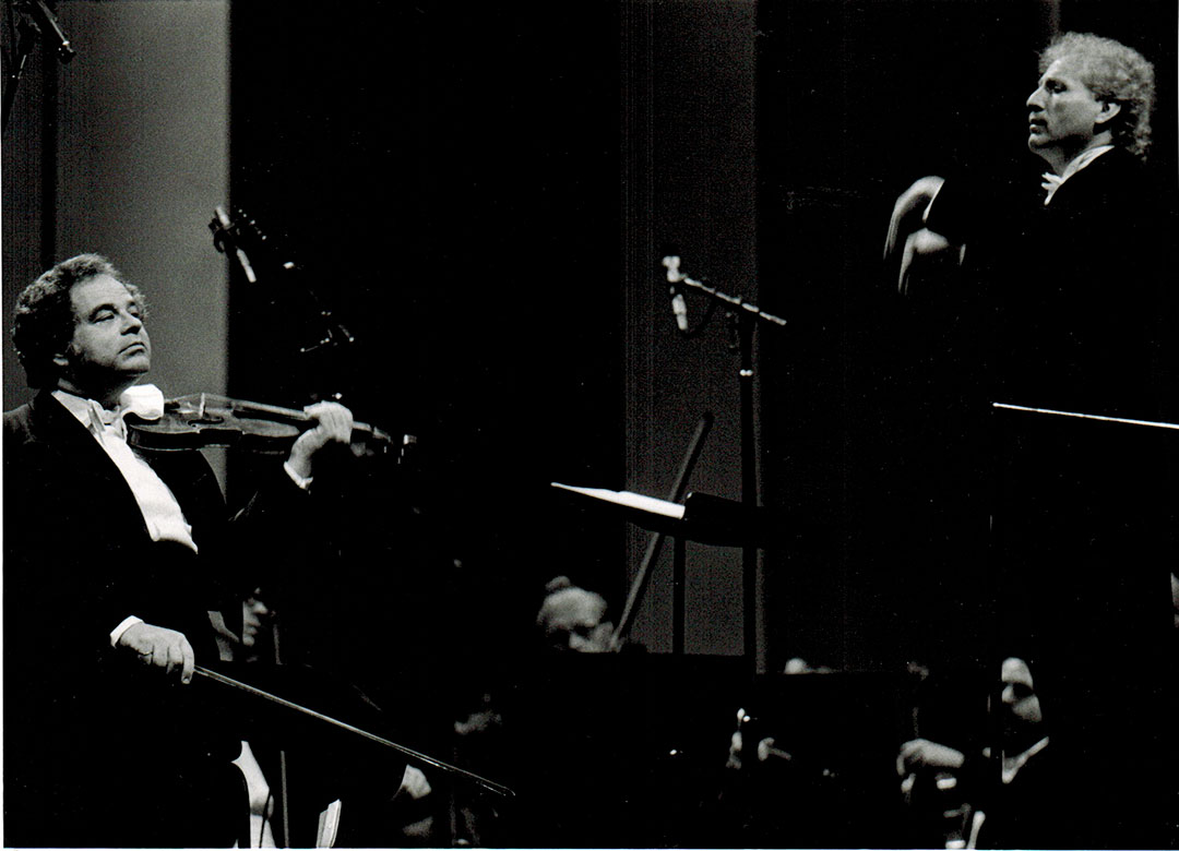 Itzhak Perlman and Maestro Diemecke, National Symphony Orch. of México, Palacio de Bellas Artes Theatre, 1998