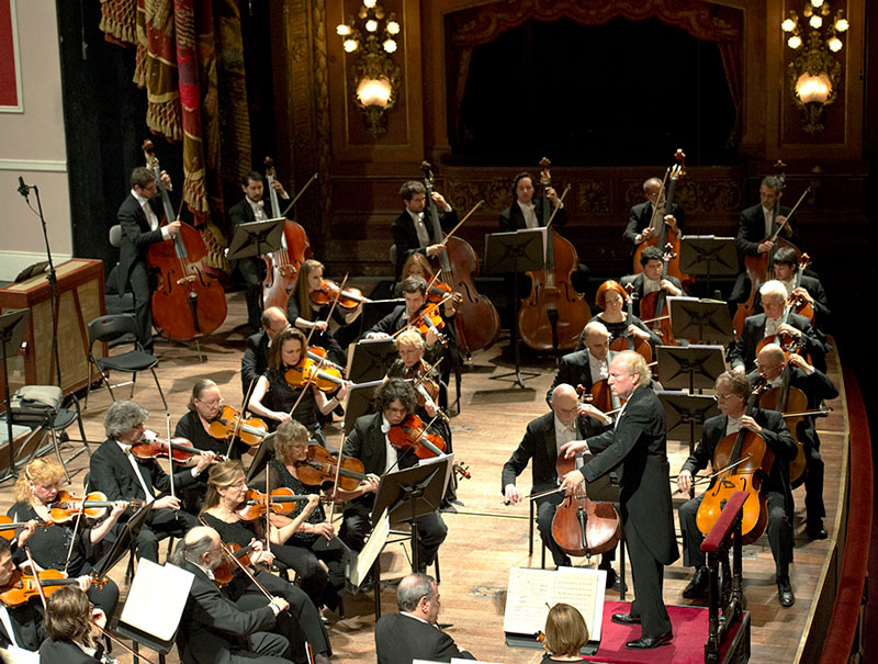Maestro Diemecke conducting the Buenos Aires Phil. at Teatro Colón, 2014