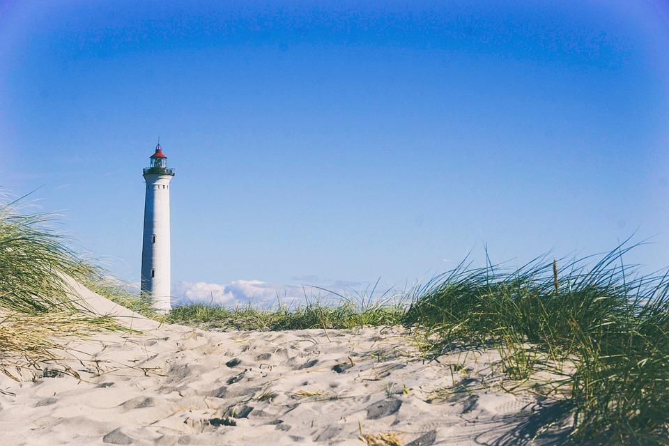 lighthouse-945398_960_720