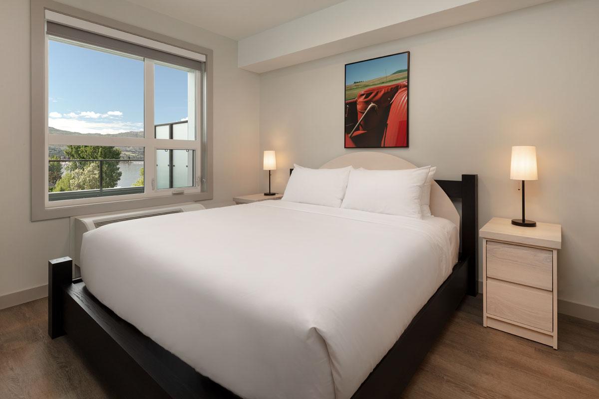 Okanagan Lake Shoreline Luxury Suites