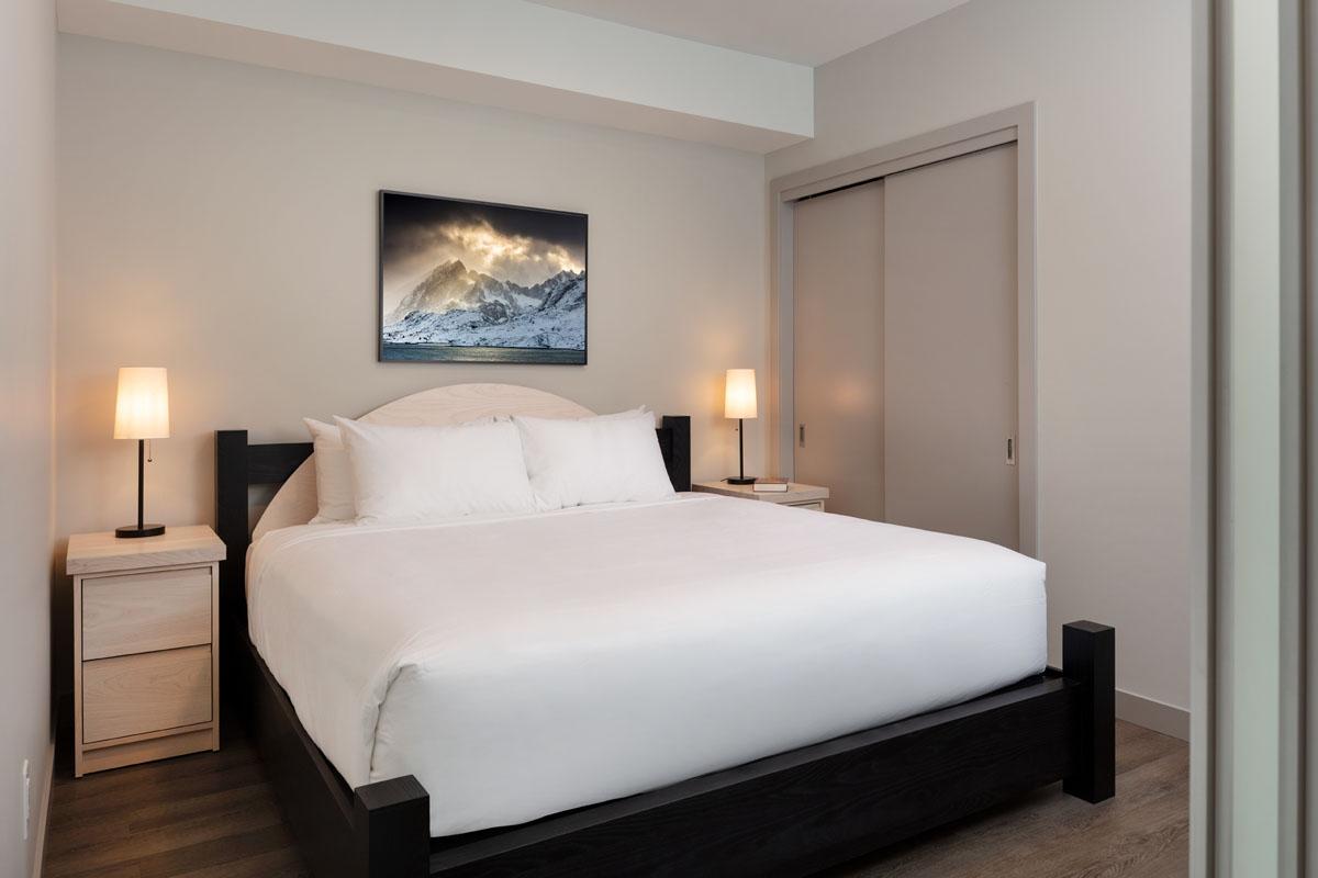 3 bedroom suite Kelowna The Shore