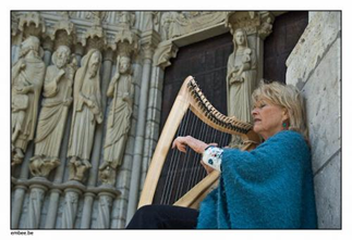 Ani at Chartres Cathedral, photo Marc Borms