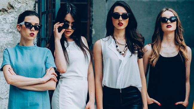 How to Choose the Right Type of Sunnies for Your Face Shape